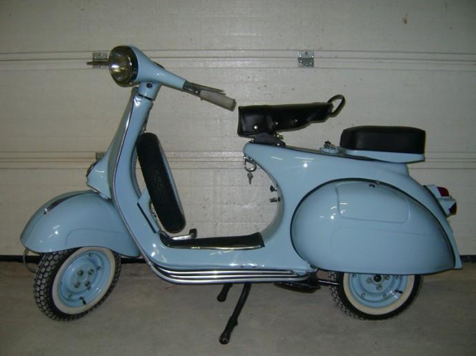 vespa-type-n-bleu-ciel-1-690x517